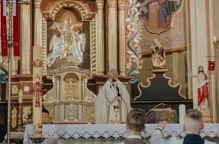 Jak duchowo, godnie przeżyć transmisję Mszy Świętej?
